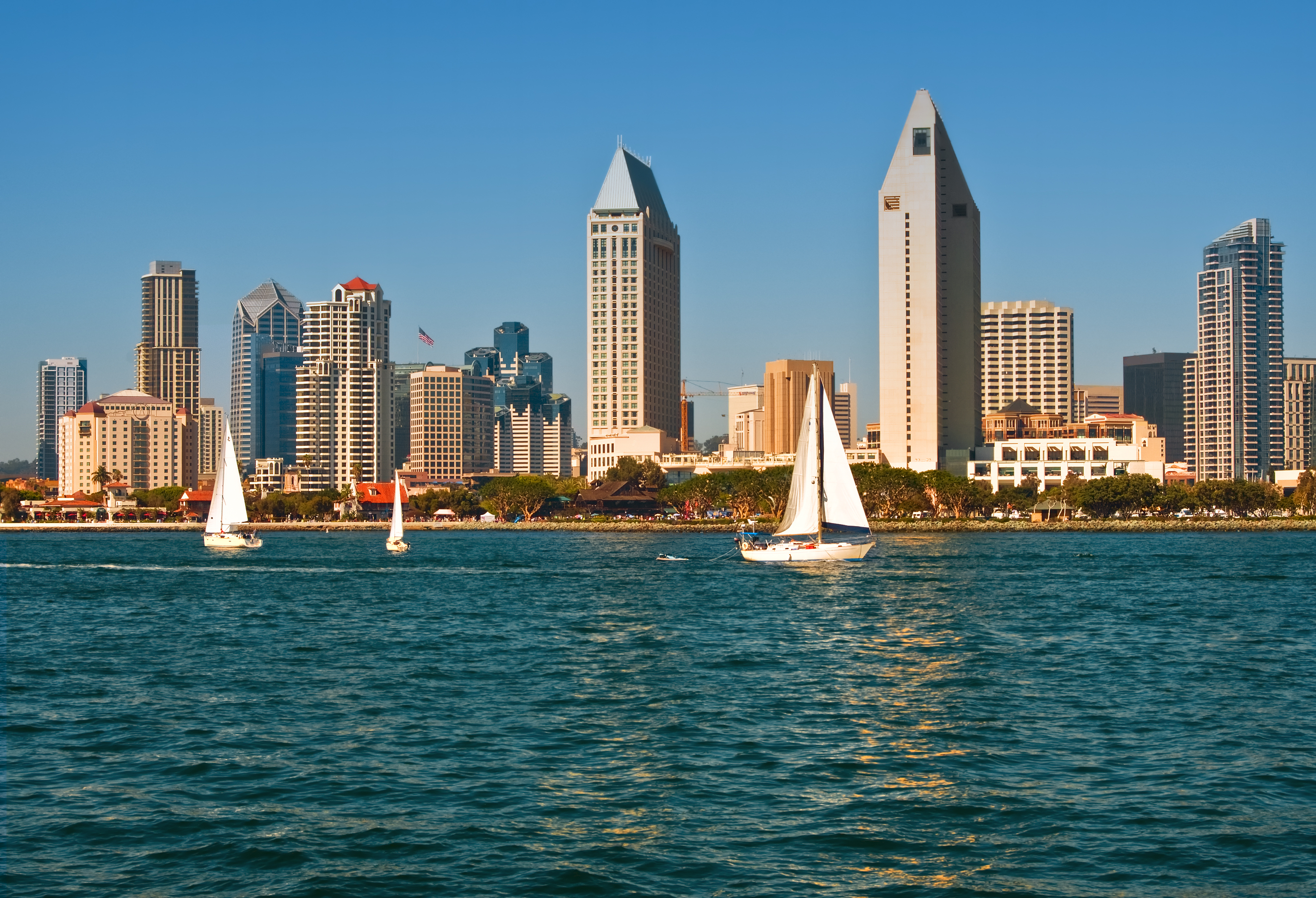 https://www.dreamstime.com/stock-image-san-diego-skyline-sailboats-california-image16024211